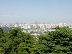 伊坂幸太郎著「仙台ぐらし」。東日本大震災の前後を含む、7年分の仙台ぐらしが詰まったエッセイ。